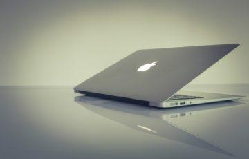 開きかけのMacbook